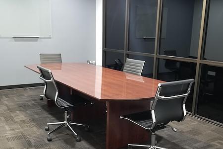 Superior Office Suites- Ontario - Medium Meeting Room