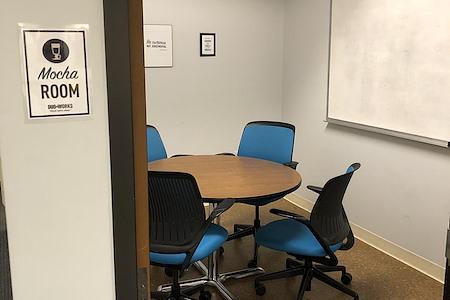 Duo Works - Mocha Room