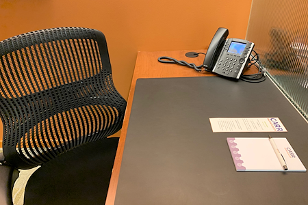 Carr Workplaces - Aon Center - Dedicated Desk