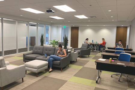 IBASE SPACES Irvine - WorkCafé