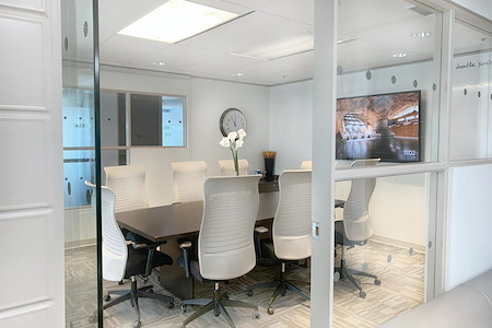 Waterfront Business Centre - Executive Boardroom