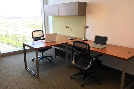 Carr Workplaces - Spectrum Center - Private Window Office For Two