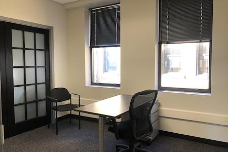 BusinessWise @ 4 Smithfield Street - Private Office 11J