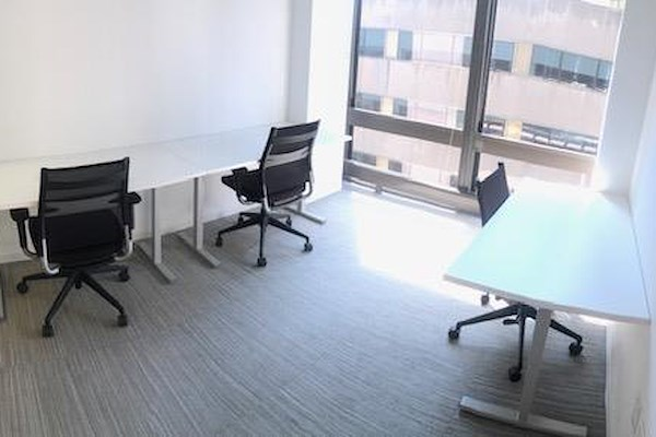 MakeOffices | 17th & Market - 3 Person Office - Window