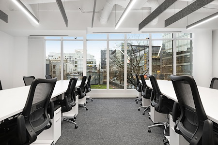 iQ Offices | 550 Robson St - Office Suite for 27