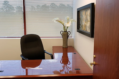 Business Center International - 5 Private Offices