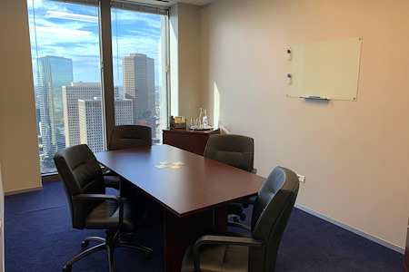 Servcorp - Bank of America Center - Meeting Room