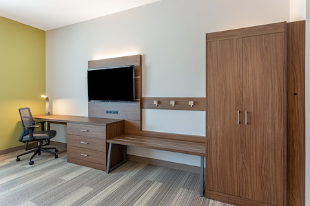 Holiday Inn Express Springfield North - Executive Room