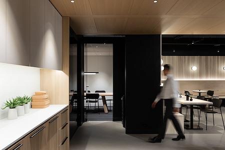 Pavilion Cowork - Spruce Boardroom