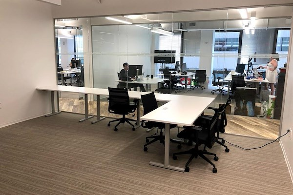 MakeOffices | 17th & Market - 10 Person Interior Office