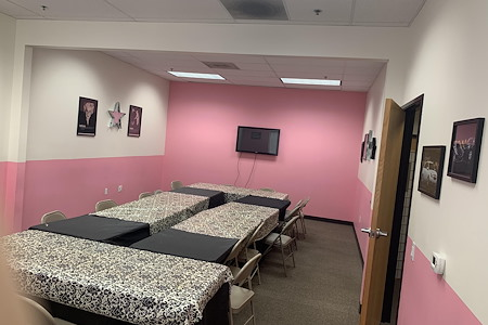 MK dream Center - Meeting Room 1