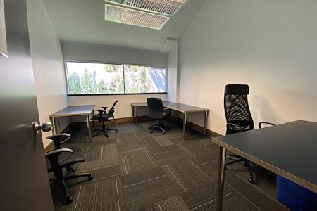 Urban Office - Private Office (DJ)
