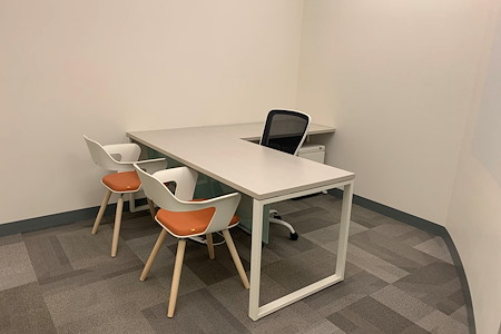 Office Evolution - Tysons Corner - Office 119