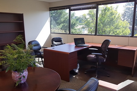 Creve Coeur Workspace - Private or Team Corner Office