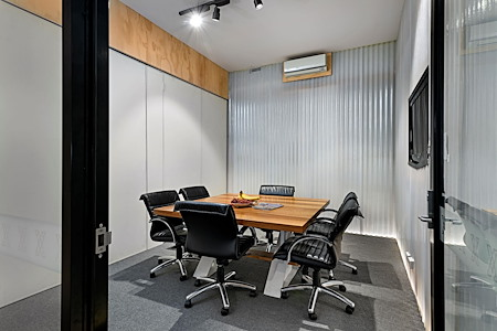 Exchange Workspaces Richmond - Meeting Room 1