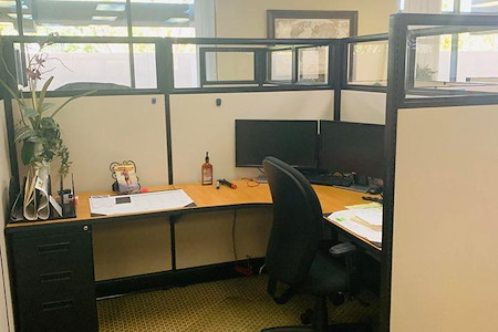 Russell Barnett - EXECUTIVE LARGE CUBICLE