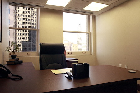 Office Evolution - Walker Center - Private Office 502