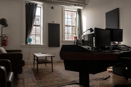 Lonelyleap - Large Meeting Room/ Edit Suite
