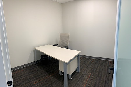 Harbourfront Business Centre - Suite 524 - Insulated, Internal Office