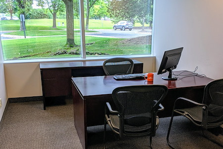 Minnetonka OffiCenter - Office 136