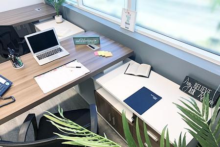 Circle Hub- Ventura - Office B(1 person)