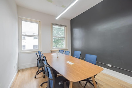 Task Up - Conference Room for 8