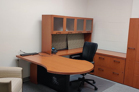 TheIFPB - Private Office with Windows