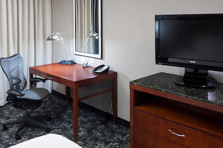 Hilton Garden Inn Austin North - Desk 1