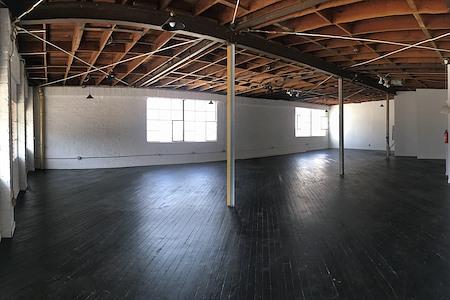 Studio 122 - Corridor