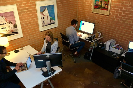 Dallas GeniusDen - Deep Ellum Downtown - Private Office for 4 people