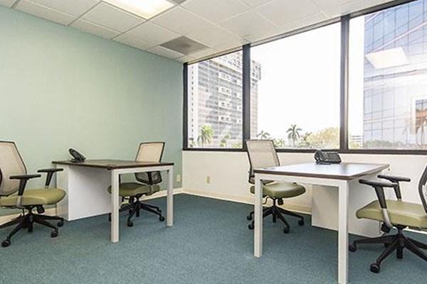 Quest Workspaces - West Palm Beach Downtown - Exterior Office