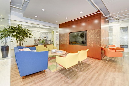 Carr Workplaces - Dupont - Daily Workspace - Safe Social Distance
