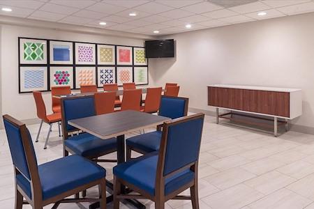 Holiday Inn Express - California Meeting Room