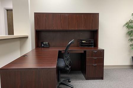 Holiday Ct - Desk 1