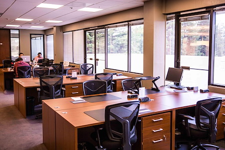 580 Executive Center - Dedicated Desk
