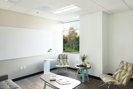 Avanti Workspace - Carlsbad - Shorebreak Meeting Room