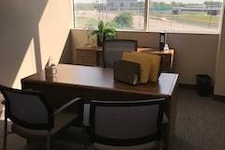 Office Evolution - Hoffman Estates - Office 2-Suite 405
