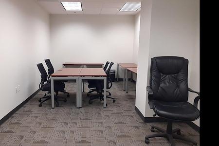 ExecuSuites I-270 - Team Room Space