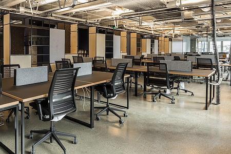 Space&Co Melbourne Central Tower - 9 Desk - Short Term Office Hire