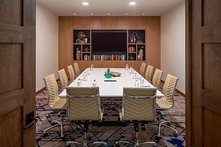 Hotel Adeline - Basil Boardroom