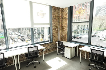 The Yard: Flatiron South - Monthly Windowed 9-Person Office Suite