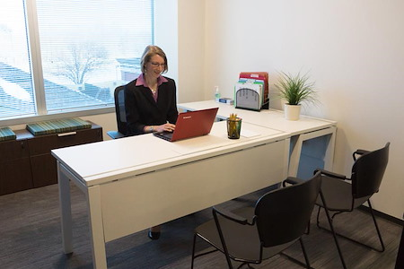 Launch Workplaces Gaithersburg - Office 256