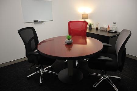 @workspaces- Gold Coast - Meeting Room 1
