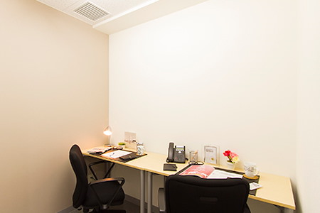 Regus | Fukuoka, Hakata Ekimaedori (Open Office) - Dedicated Desk