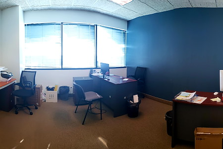 Alexa's Workspaces - Ft.Lauderdale - Shared Desk