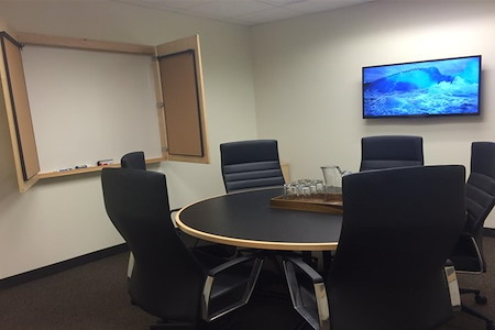 Intelligent Office - Nashville - Medium Conference Room
