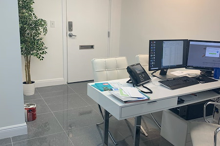 EroEstate LLC - Private Suite in Downtown Hollywood
