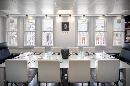 Piccadilly Chambers - Mayfair Boardroom