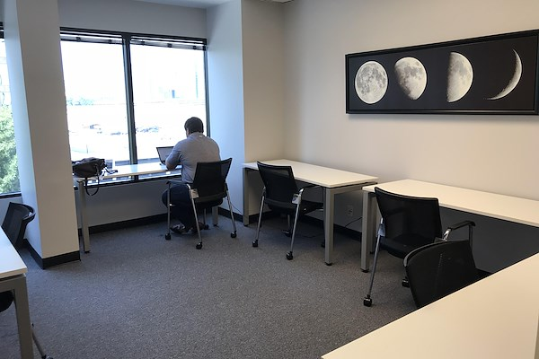 Peachtree Offices at Lenox, Inc. - Buckhead Hot Desk/Coworking