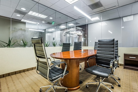 WORKSUITES | Uptown McKinney Ave - Conference Room 3